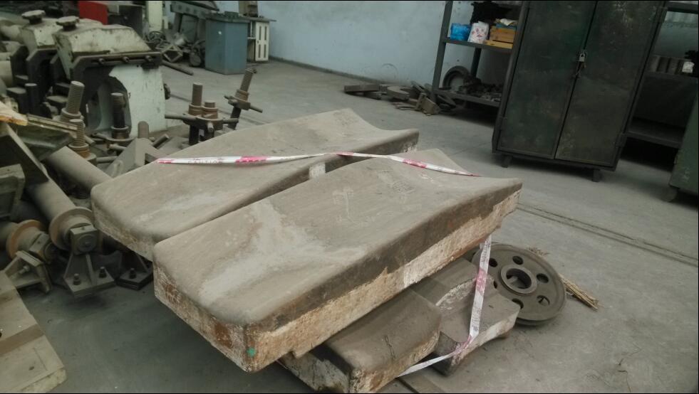 出售新都含中镍中钼合金半成品及产成品约156.1吨
