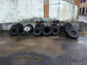 出售江油约10吨废轮胎